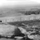 """Blick auf den Bunker """"Valentin"""" aus der Luft im Jahr 1951"""