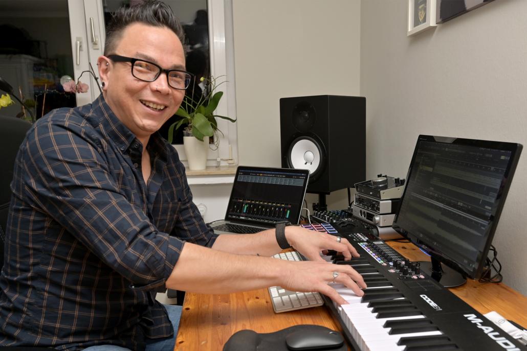 Andy Pique am Piano.