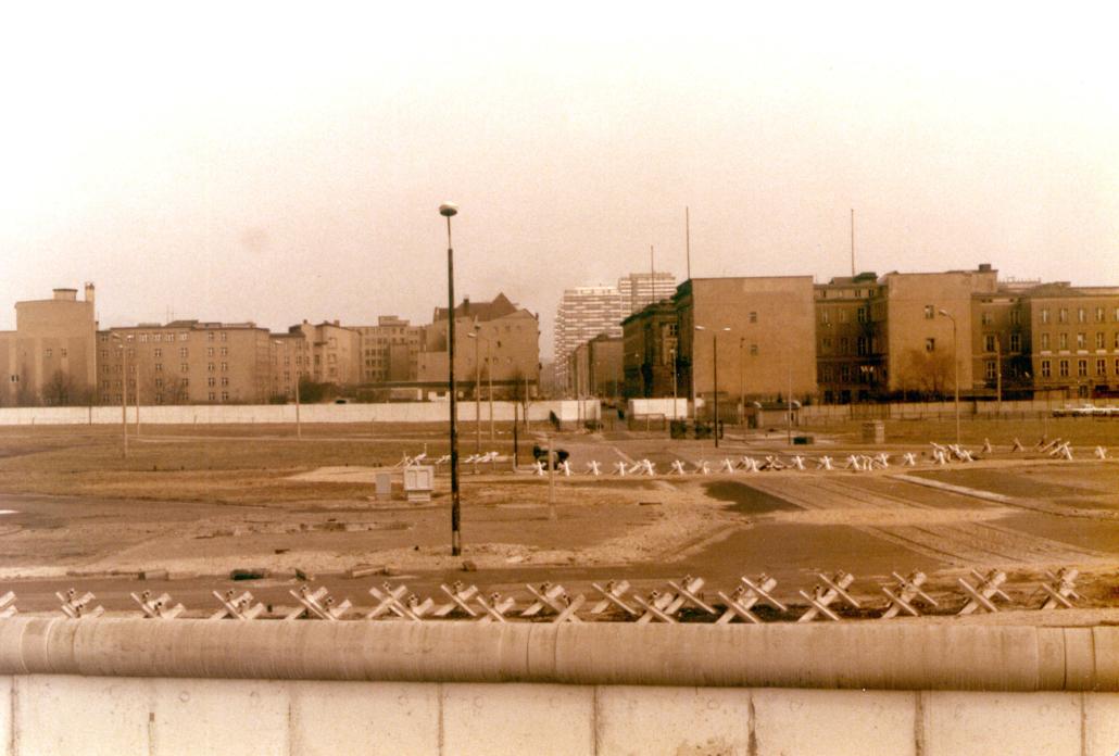 Potsdamer Platz 1983 mit Berliner Mauer