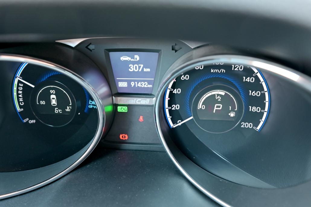 Das Armaturenbrett unterscheidet sich in einem Wasserstoffauto kaum von einem Verbrenner.