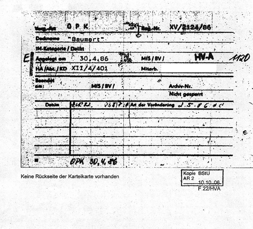Eine Karteikarte aus einer Stasi-Akte.